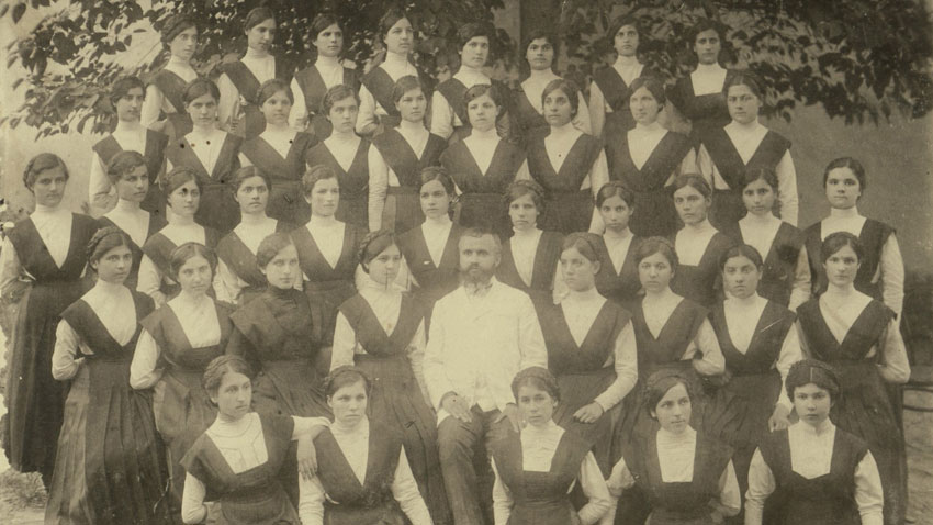 The Choir of the Bulgarian Girls' School of the Annunciation in Thessaloniki, 1911