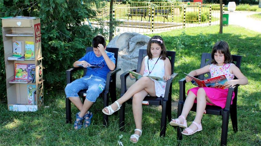 Лятна читалня на открито организира в Южния парк Столичната библиотека.