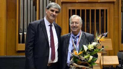 Проф. Димитър Момчилов (вдясно) и проф. Атанас Карафезлиев