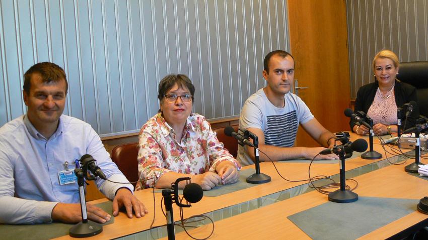 """Пламен Борисов, Галя Кубратова, Александър Янев и Анелия Торошанова в студиото на програма """"Христо Ботев"""" (отляво надясно)"""