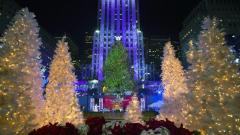 """Коледната елха в """"Рокфелер център"""" в Ню Йорк"""