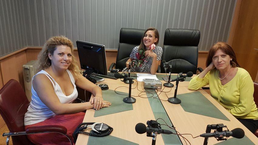 Николинка, Калина Станева и Михаела Михайлови в студиото на