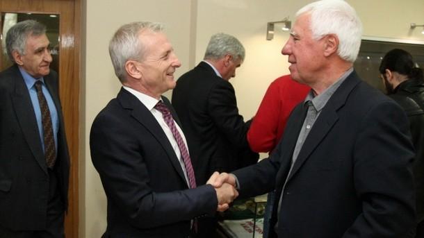 Легендарният футболист и треньор на ЦСКА Аспарух Никодимов представи днес