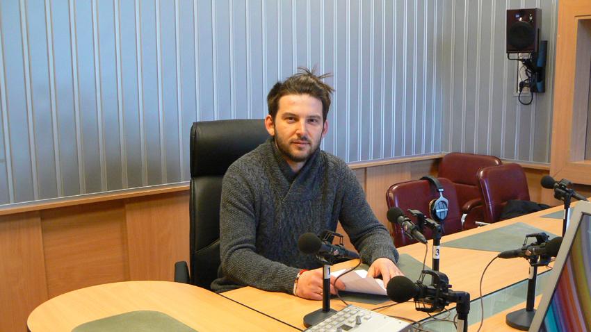 Добрин Кашавелов в студиото на предаването.