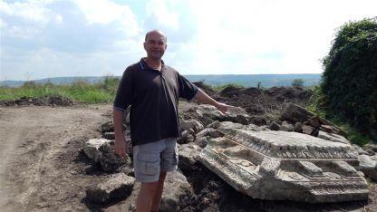 Ръководителят на археологическите проучвания в Рациария доц. д-р Здравко Димитров.