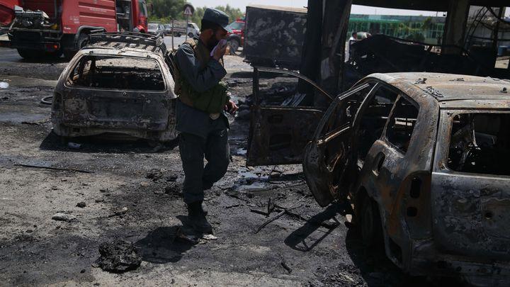 При поредния самоубийствен бомбен атентат в Джалалабад на 10 юли бяха убити най-малко 10 души.
