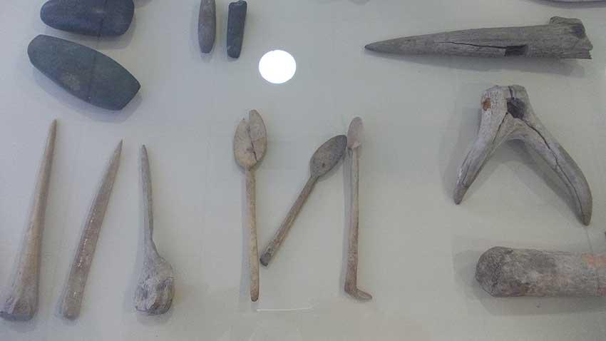 Костени лъжици от VI-V хилядолетие пр.н.е., намерени в землището на град Стара Загора. Снимка: Албена Безовска