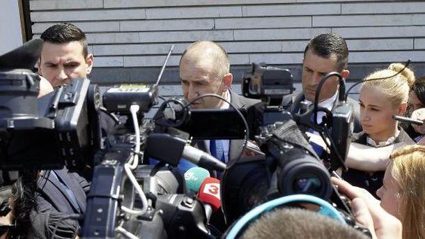 Президентът Румен Радев направи коментара си в София в отговор на журналистически въпрос.