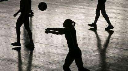 Националните отбори по волейбол за подрастващи с тренировки и в празничните дни