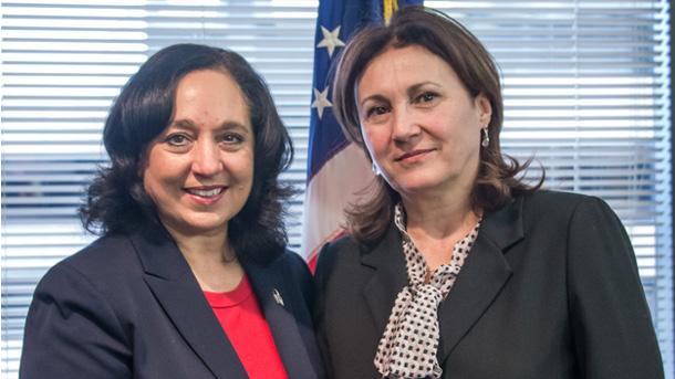 Сред срещите на министър Румяна Бъчварова в САЩ бе и тази с директора на Службата за борба с наркотиците (ДЕА) Мишел Лионхарт.