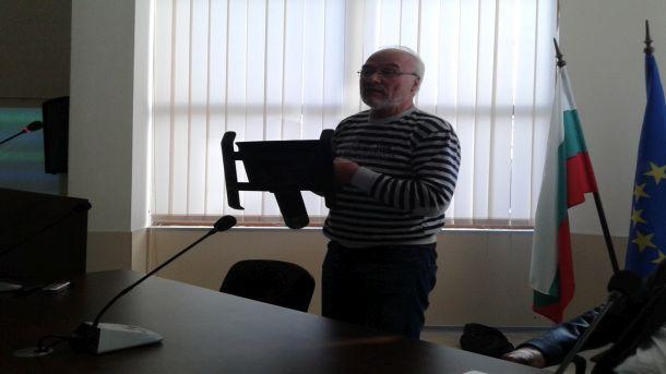 Антон Антонов с уреда, който ядоса хората от Приморско