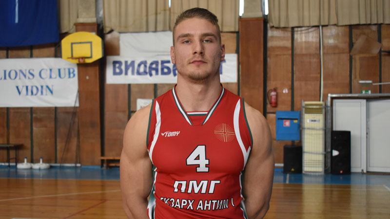 Николай тренира баскетбол във видинския клуб