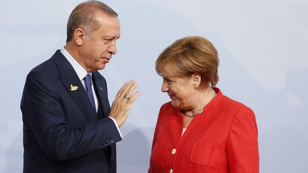 Ердоган е поискал от Меркел повече подкрепа от ЕС за бежанците