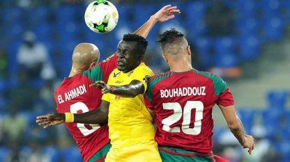 Футболистите на Мароко (с червени екипи) записаха първа победа в турнира за Купата на африканските нации