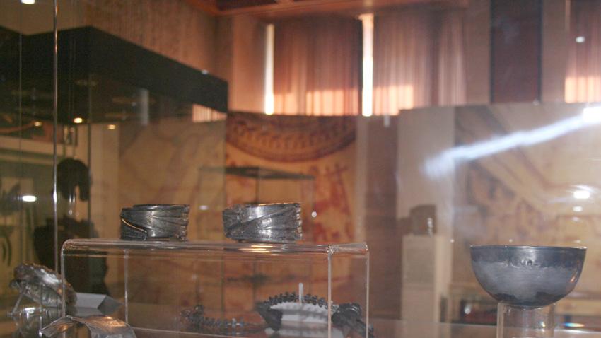Сребърното съкровище от с. Йонково, Разградско (първата половина на III век пр.Хр.)