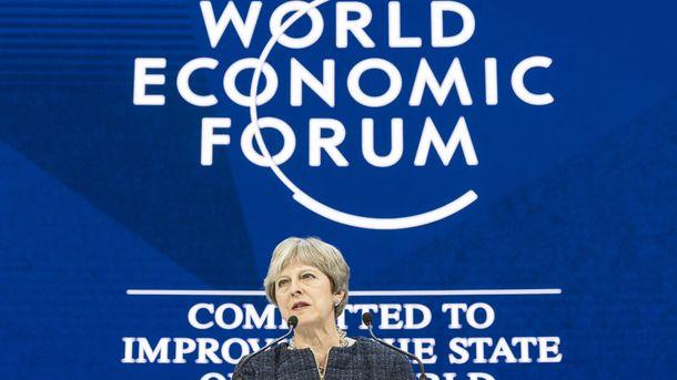 Британският премиер Тереза Мей коментира твърденията за секс тормоз в кулуарите на Световния икономически форум в Давос.