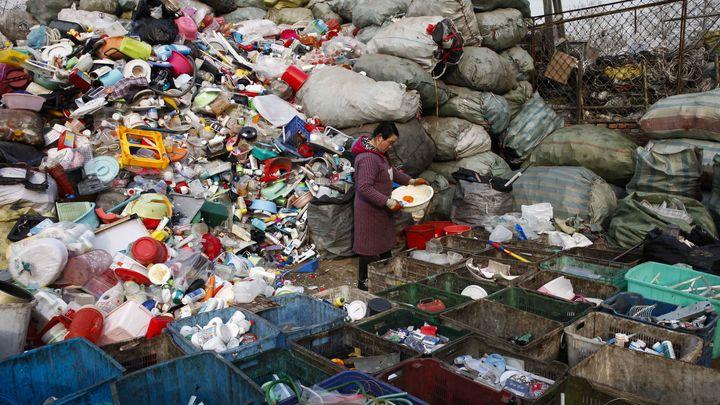 Вносът на твърди отпадъци в Китай е намалял с 56,3%