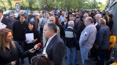 Генералният директор на БНР Александър Велев (в центъра) изрази солидарност с протестите на творците, които започнаха в началото на седмицата.