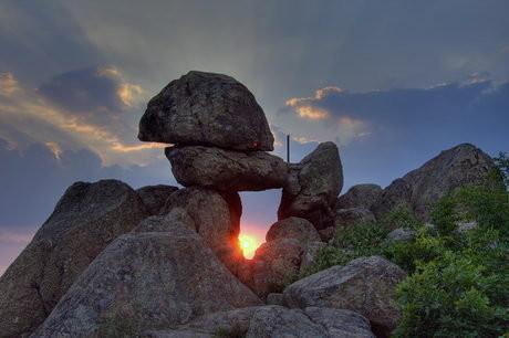 Мегалитът над село Бузовград - портал към мистични светове
