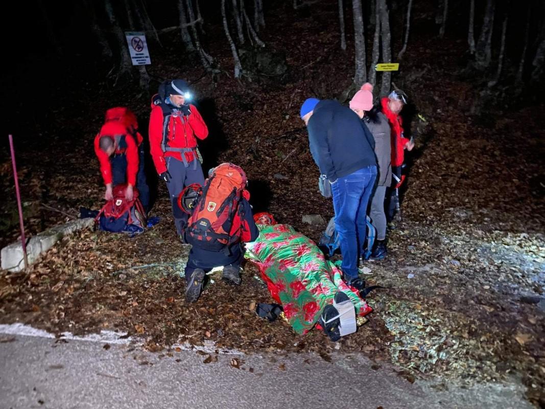 Един от спасените снощи туристи. Снимка: БГНЕС