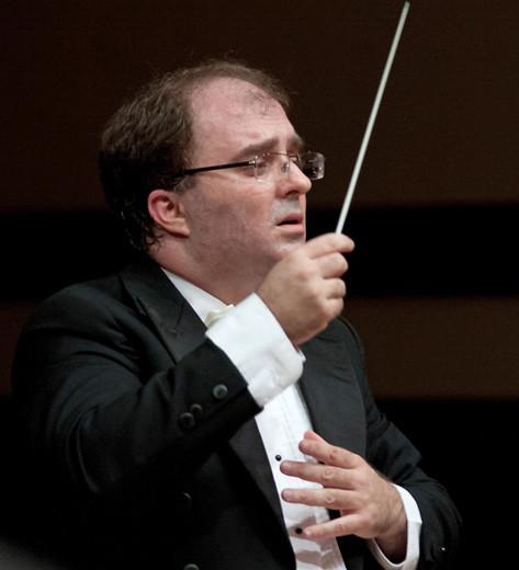 Диригентът Найден Тодоров. Снимка: Василка Балевска