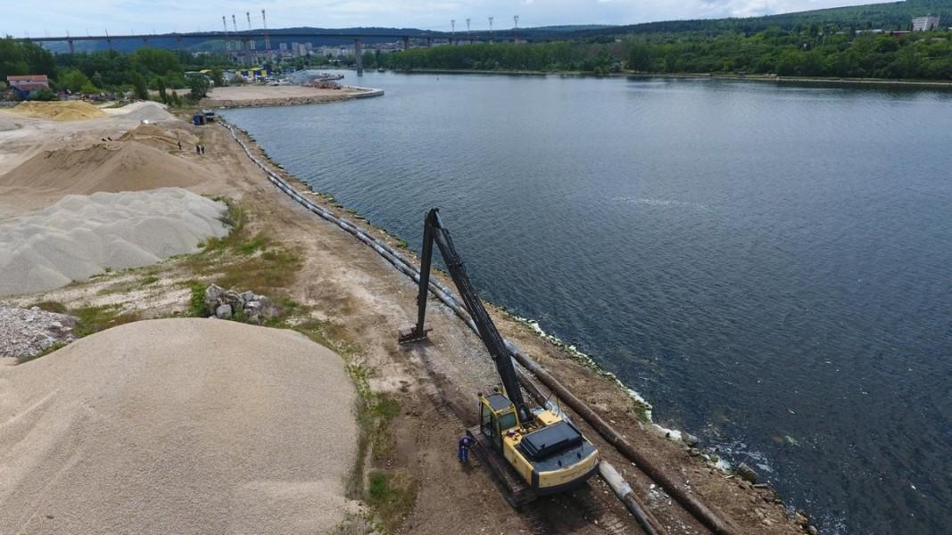 Ремонт на аварирал тръбопровод за отпадни води във Варненското езеро