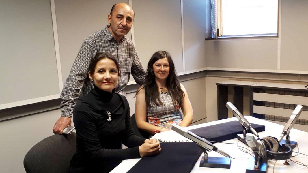 Тања, Стојан и Нија у студију Радио Бугарске