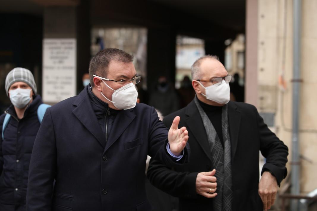 Министърът на здравеопазването Костадин Ангелов на инспекция в Александровска болница в София