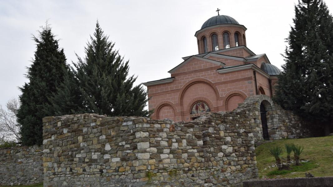 """Манастирският комплекс """"Св. Йоан Предтеча"""" в Кърджали, където ще бъде изграден новият храм."""