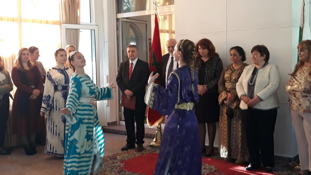 Представяне на традиционни марокански танци и традиционните дрехи   Снимка: Славена Илиева