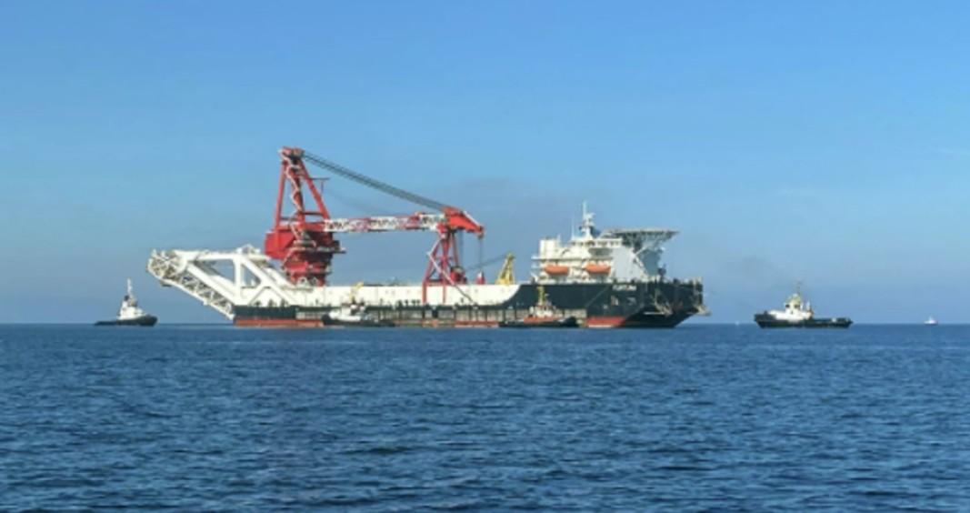 Руски кораб за полагане на газови тръби