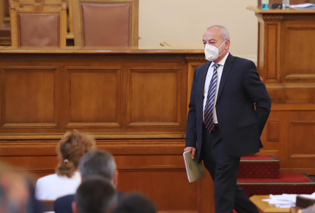 Гълъб Донев в НС/ Снимка: БГНЕС