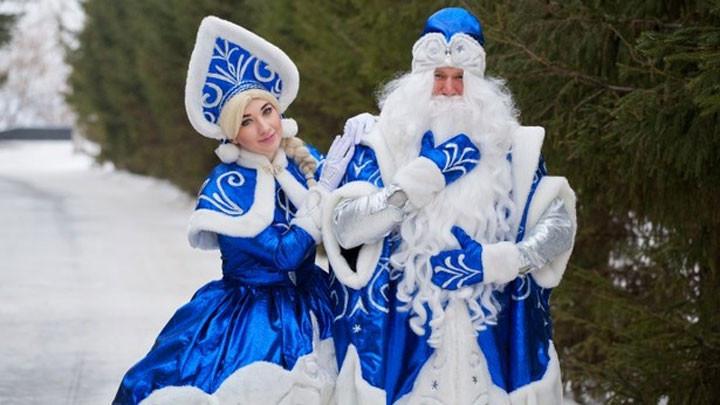 Дядо Мраз предпочитал сини одежди