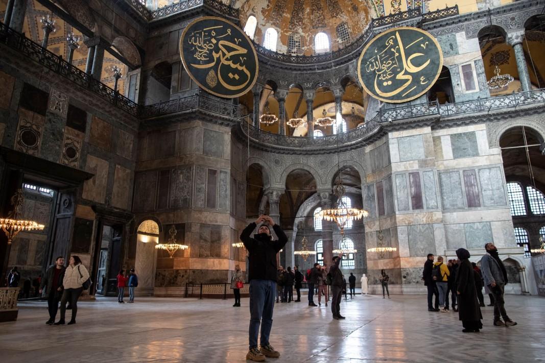 В днешни дни храмът е музей и се посещава от туристи от целия свят. Доста от съществуващите византийски мозайки са разкрити наново, но са запазени и ислямските промени.