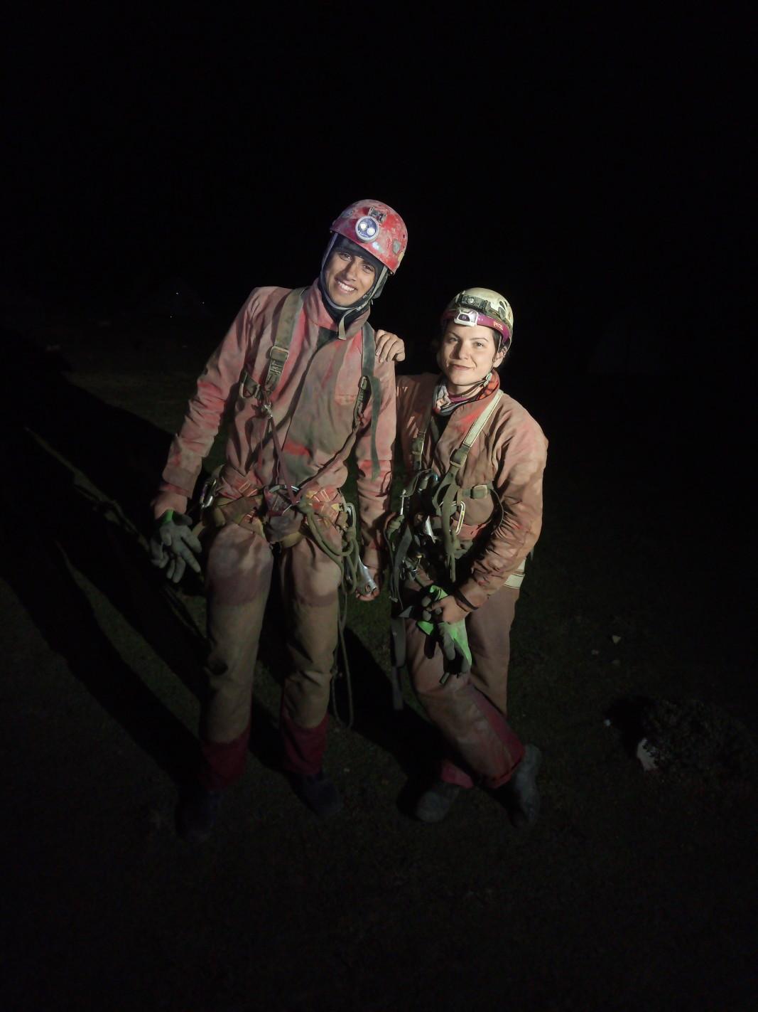 Георги Беров и Диляна Христова в пещерата Морджа, Турция