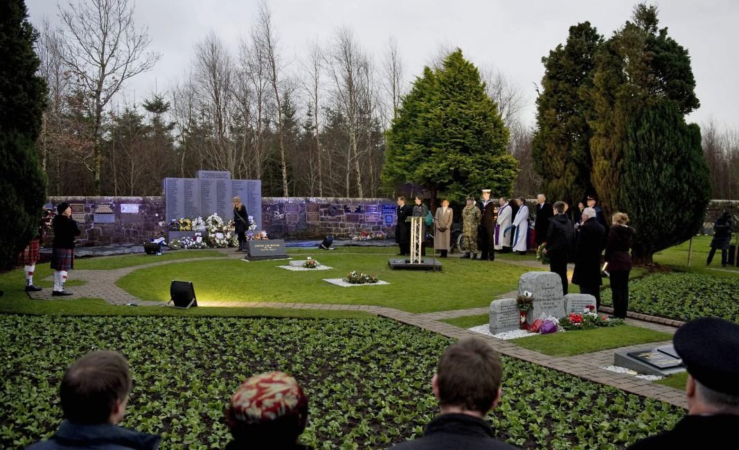 Церемония в памет на жертвите в Локърби.            Снимка: ЕПА/БГНЕС