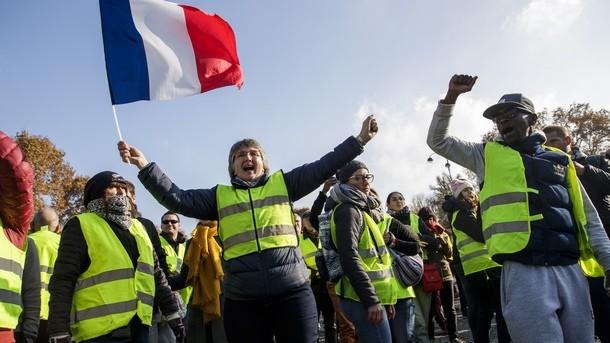 Протести срещу цените на горивата във Франция.