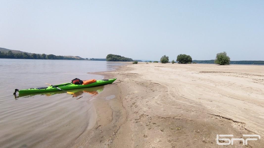 Един от най-красивите плажове по цялото поречие на Дунав - о-в Добрина (Керкенеза) край с. Арчар, Видинска област