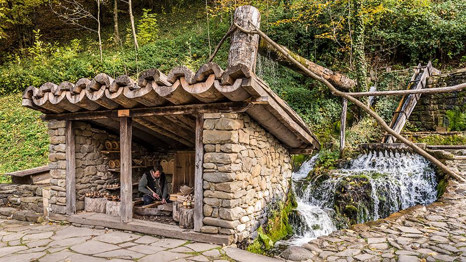 """Регионален етнографски музей на открито """"Етър"""" – водни съоръжения."""