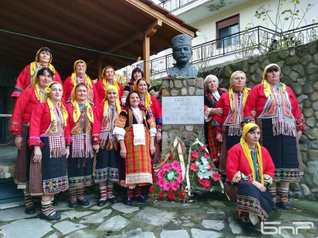 Фолклорна група Дунята с. Черничево