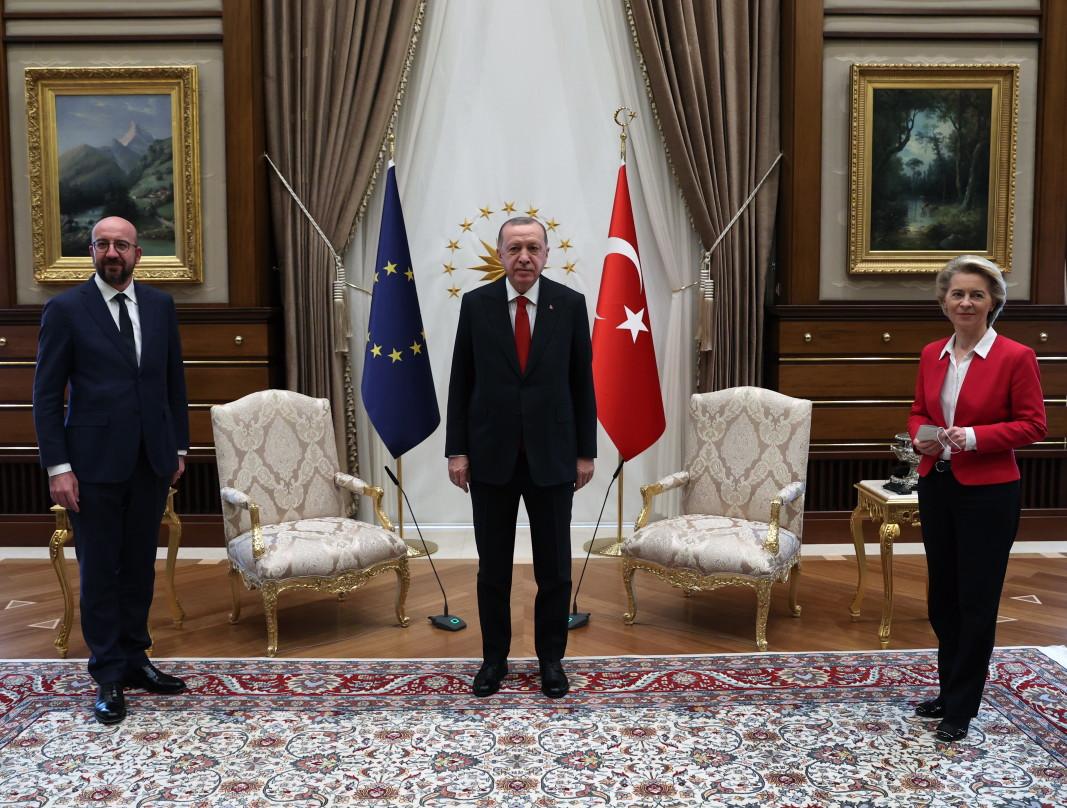 Шарл Мишел, Реджеп Ердоган и Урсула фон дер Лайен - 6 април 2021 г.