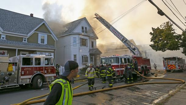 Най-малко четирима души бяха ранени в Масачузетс в поредица от