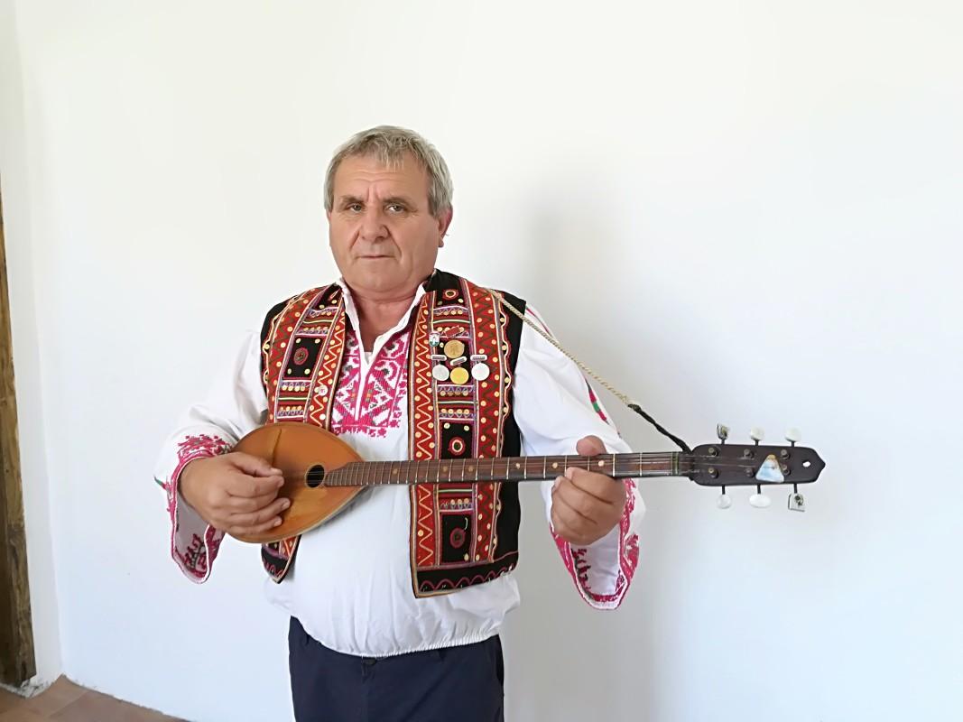 Младен Урманов