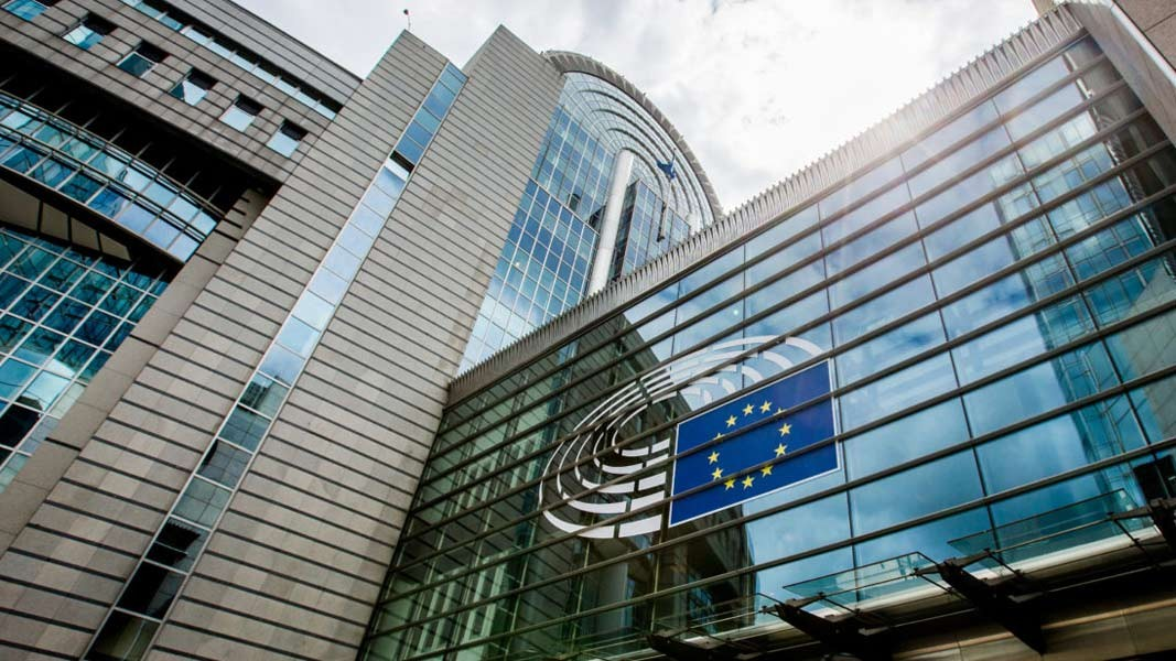 Комисия на Европарламента настоява мониторингът върху България да отпадне -  От деня - БНР Новини
