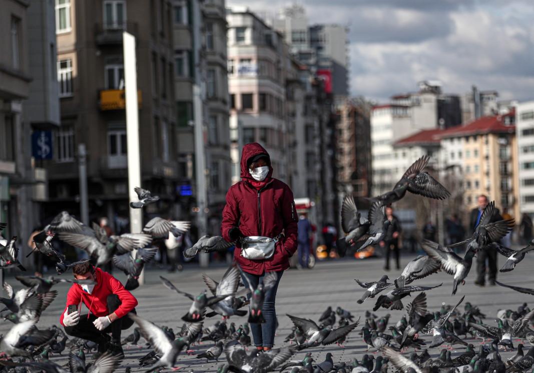 Три жертви на Covid-19 в Турция, мерки срещу заразата и за икономиката - От деня - БНР Новини