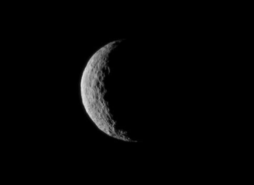 Американски астрономи анализираха снимките на Церера, направени от космическия апарат