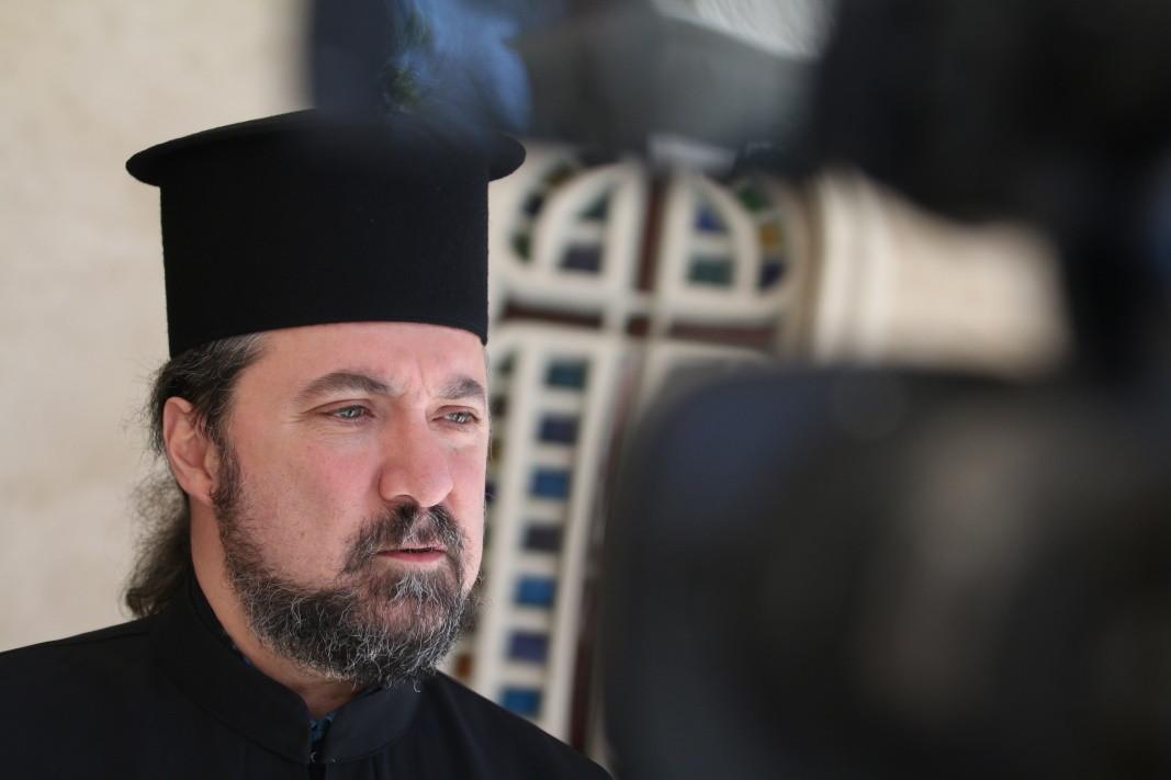 Отец Василий Сарян