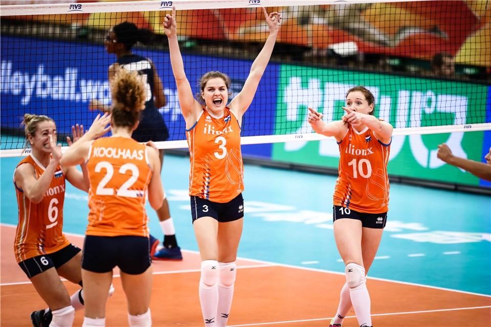 Националният отбор на Холандия постигна драматична победа след обрат с