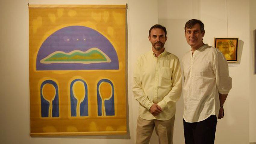 """Василен Васевски (вляво) и Александър Телалим на откриването на изложбата """"Equilibrium/Равновесие: лирично и експресивно"""""""