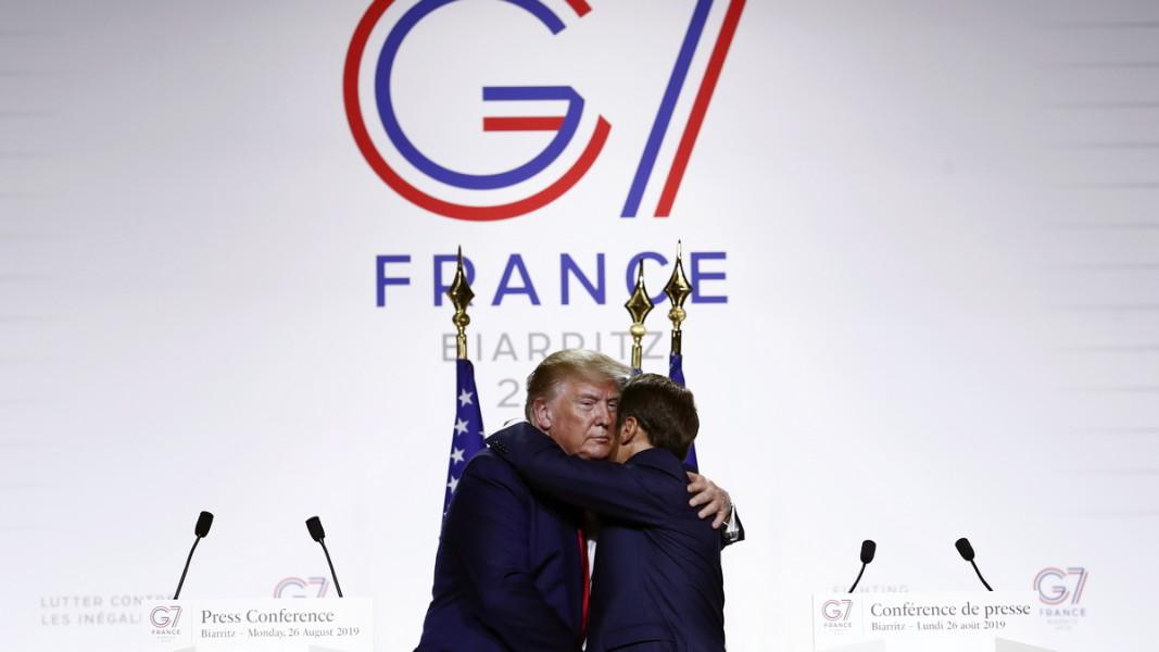 Доналд Тръмп и Еманюел Макрон  Снимка: ЕПА/БГНЕС